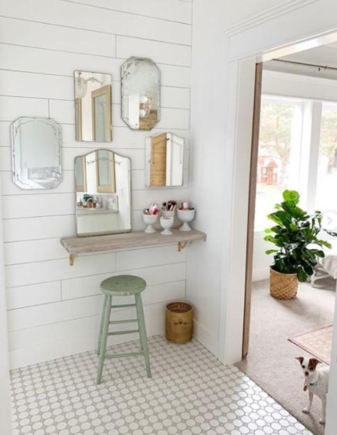 μπάνιο πολλοί καθρέπτες