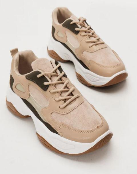 καφέ sneakers