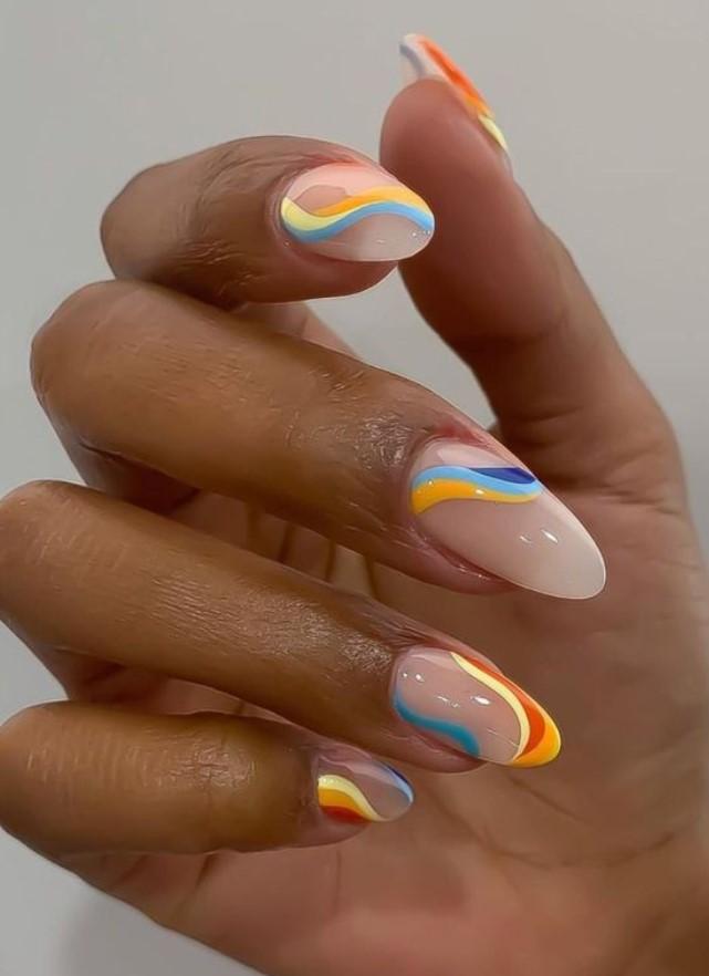 πολύχρωμα νύχια με γραμμές