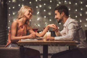 ζευγάρι σε εστιατόριο
