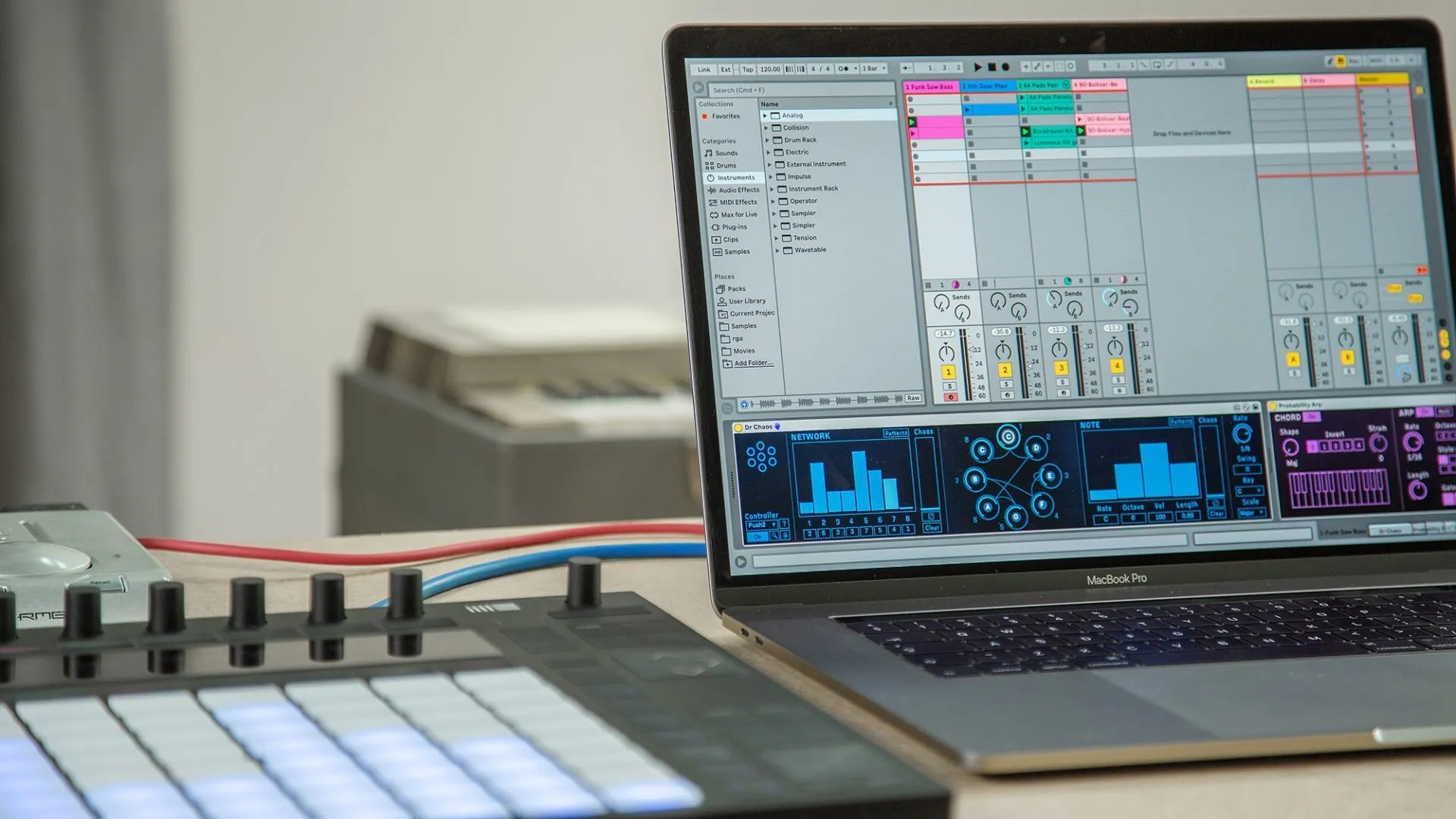Ableton announces free Singularities vintage synth sample