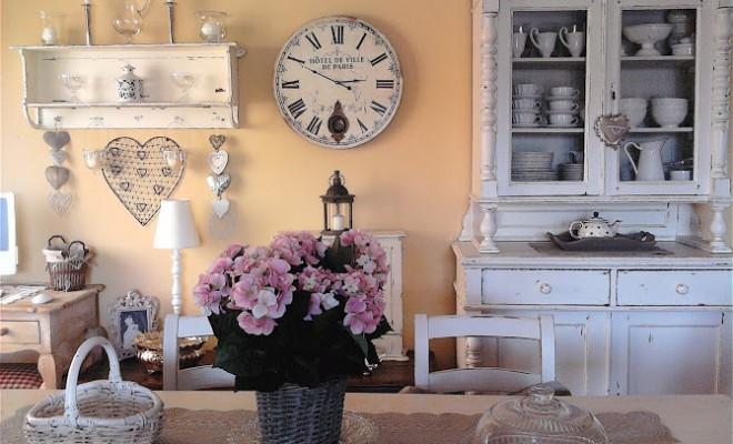 Una vernice casalinga ottima per lo stile shabby chic Lo Stile Shabby Chic Per La Tua Casa E Donna