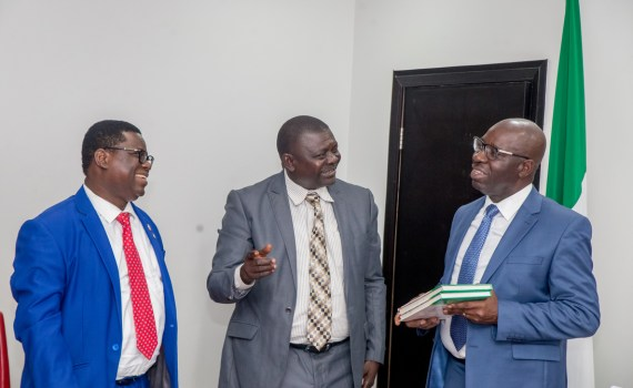 L-R: Dr. Tope Oyelade, 1st National Vice President, Association of General and Private Medical Practitioners of Nigeria (AGPMPN); Dr. Nosa Ehigie, Chairman, AGPMPN; Governor Godwin Obaseki of Edo State, during a courtesy visit by officials of AGPMPN to the governor at Government House, Benin City.
