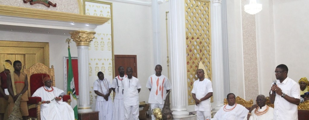 Representative of the Edo State Governor and Deputy Governor, Rt. Hon. Comrade Philip Shaibu (far right) and the Oba of Benin, Oba Ewaure II (far left), during the flag-off of sensitisation programme for Immunisation against measles, with traditional and religious leaders at the Palace of the Oba of Benin, Benin City.