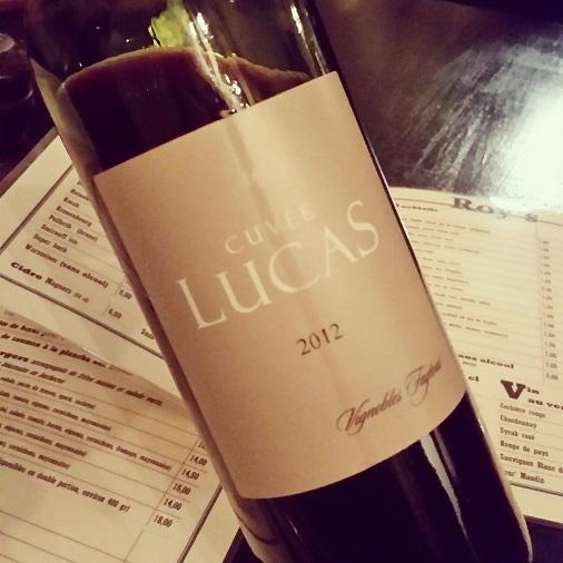 bouteille de vin cuvée lucas roy's pub restaurant paris