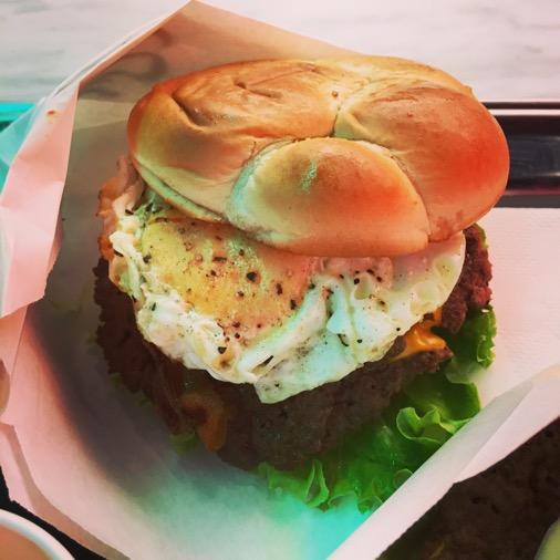Steak n shake burger supplément oeuf