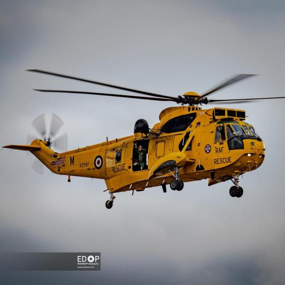 @historichelicopters brings back memories of British Seaside Holidays with their Westland Sea King HAR3 at @abingdonair_countryshow