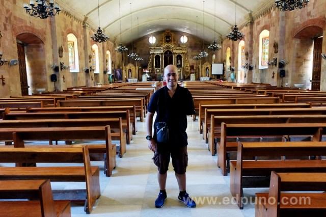 Filipino travel blogger