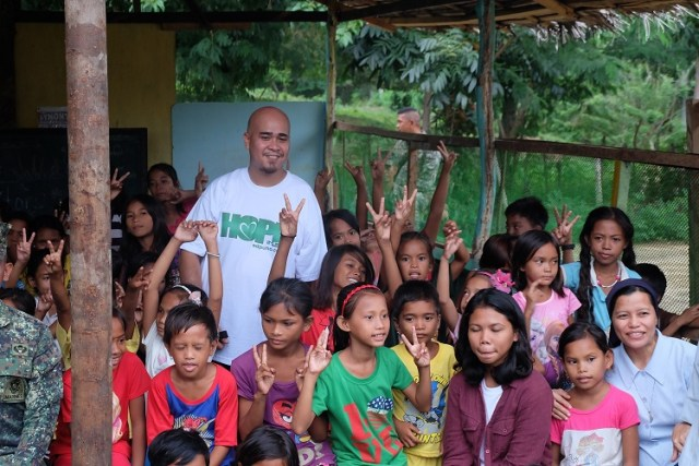 Travel with a Purpose: Gift Giving in Tawi-Tawi