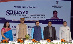 Union HRD Minister launches the Scheme for Higher Education Youth in Apprenticeship and Skills (SHREYAS)