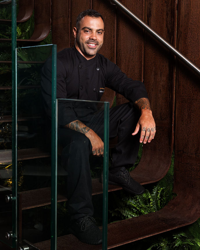 Chef Pedro Pecego, no Restaurante Charbon Rouge