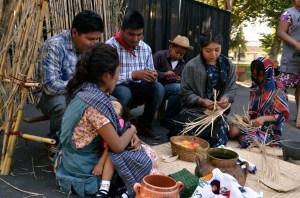 "Escena de la obra ""La Historia de un Inmigrante Zapoteco"", Madera, California. (Foto: Eduardo Stanley)"