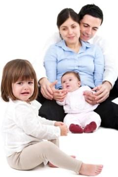 conductas infantiles, celos entre hermanos, celos, educacion, escuela de padres