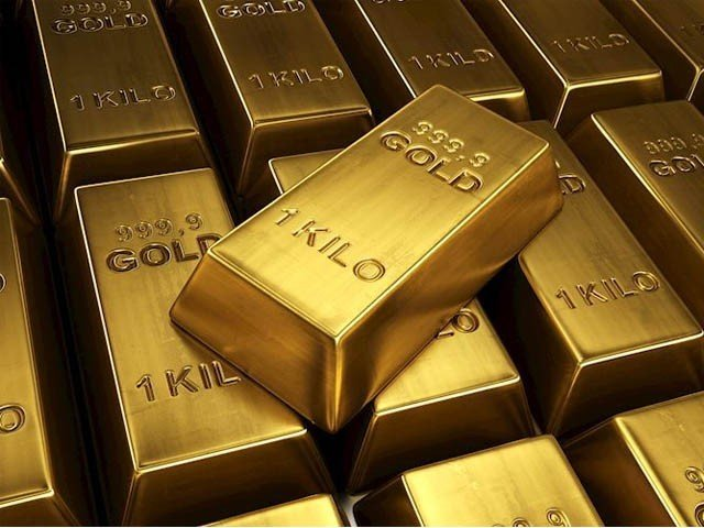 A sudden reduction of Rs. 1500 per tola of gold