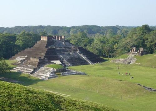 Photo temple maya Comalcalco