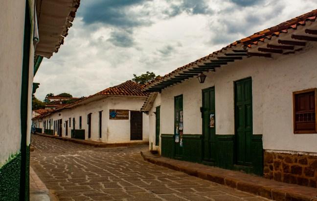 Domingo en el pueblo Barichara, Santander, Colombia