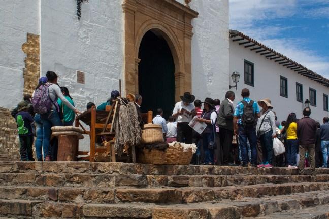 Sábado en la iglesia Villa de Leyva, Boyacá, Colombia