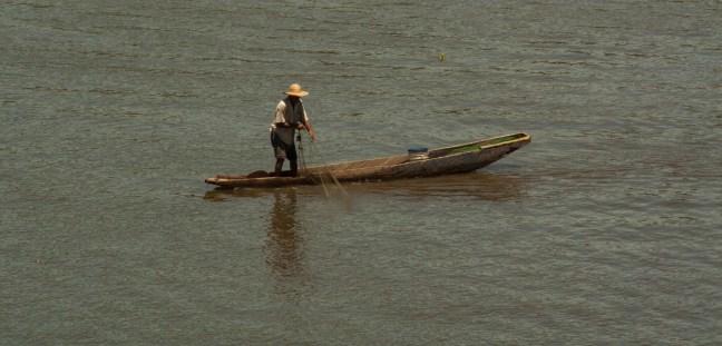 El pescador del río El Banco, Magdalena, Colombia