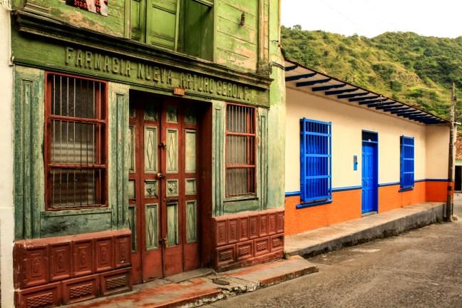 La farmacia Honda, Tolima, Colombia