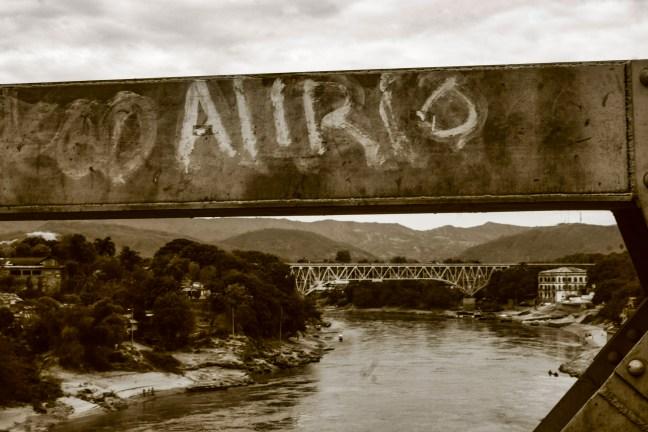 Puente sobre el Río Magdalena Girardot, Cundinamarca, Colombia
