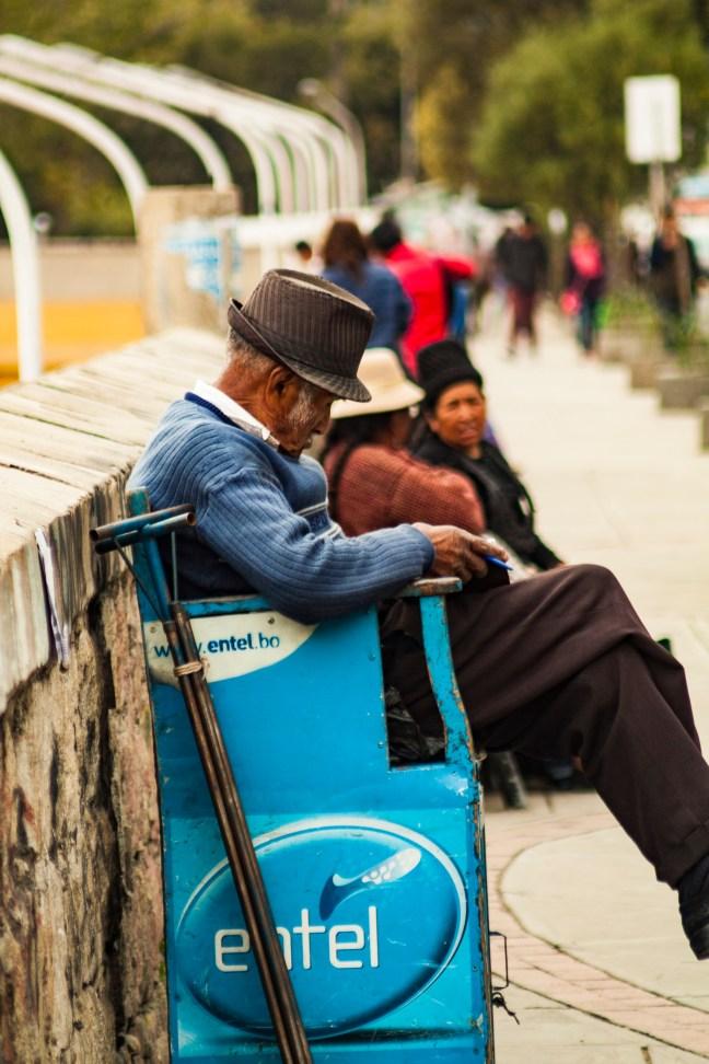 Entre lustradas Avenida Armentia, La Paz, Bolivia