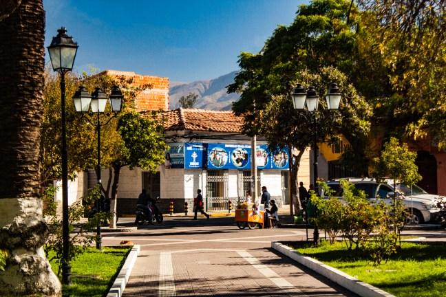 La esquina del parque ciudad de Tarija, tarija, Bolivia