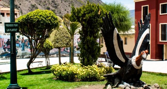 El condor Plaza de Armas, Andahuaylas, Apurímac, Perú
