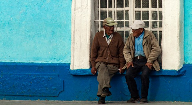 Conversando ciudad de Puno, Puno, Perú