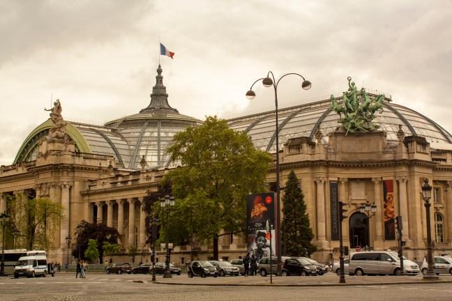 En el museo París, Francia