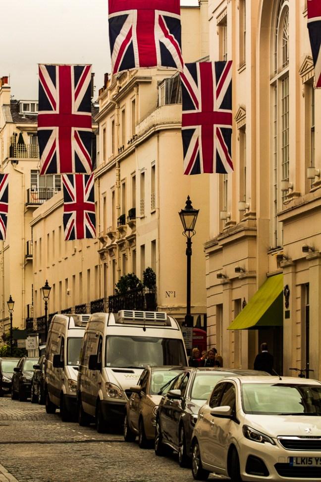 Banderas Calles de Nightsbridge , UK