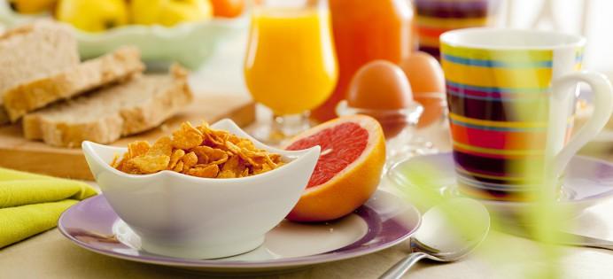 https://i1.wp.com/www.edulcorants.eu/wp-content/uploads/2014/11/petit-dejeuner-equilibre-familles-alimentaires-692x315.jpg