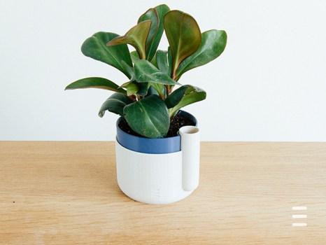 sel-watering planter 3d printed