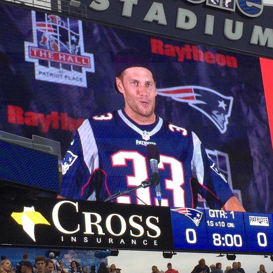 Look who showed up for Kevin Faulk's induction!