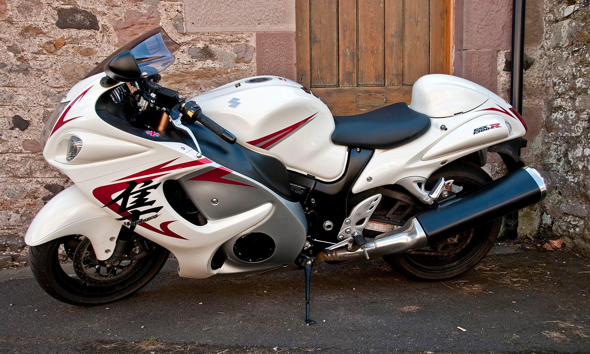 Suzuki GSX1300r Motorbike