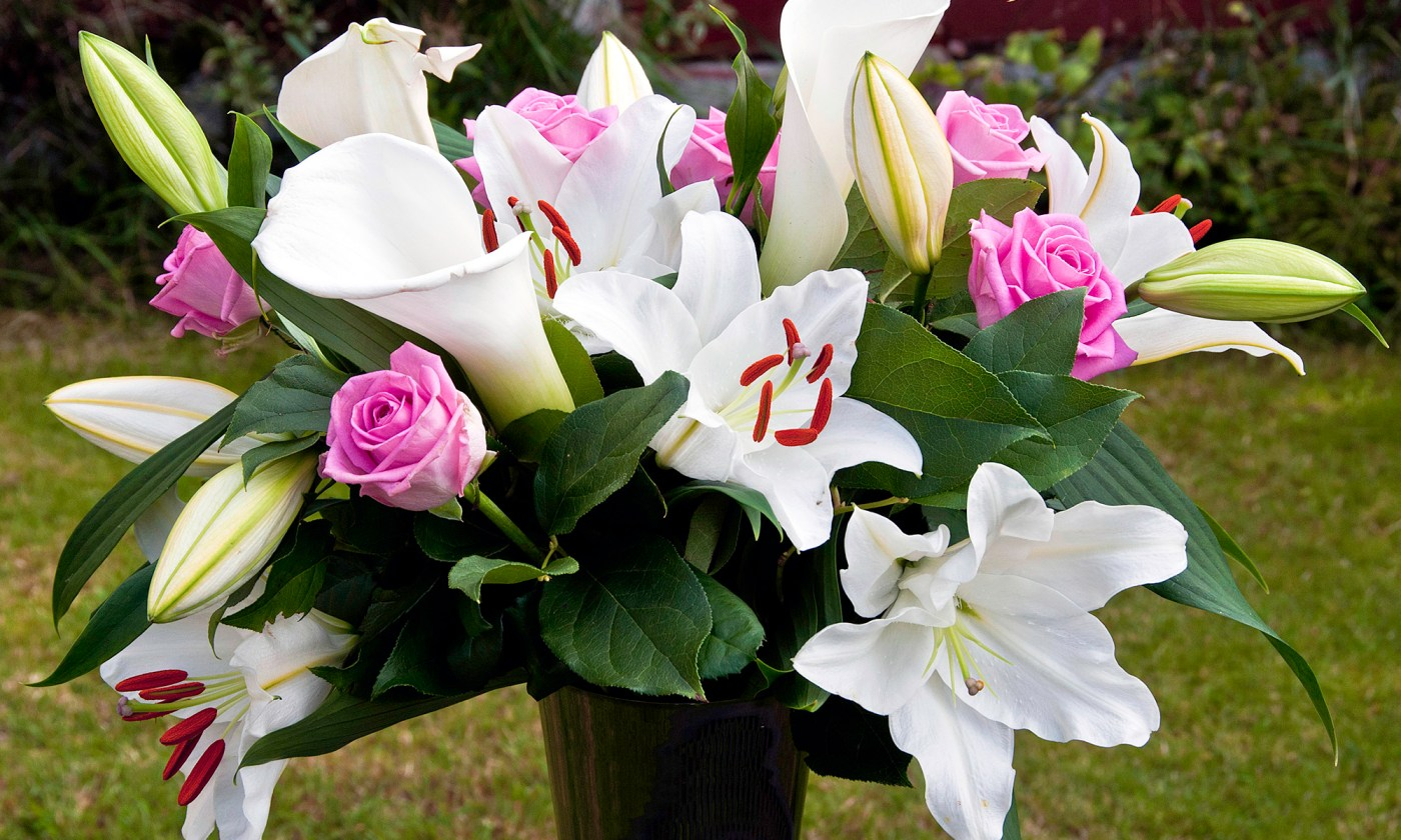 Pink Roses and White Lily Bouquet