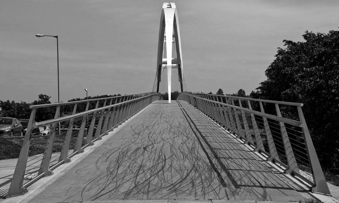 Infinity Footbridge from the Side