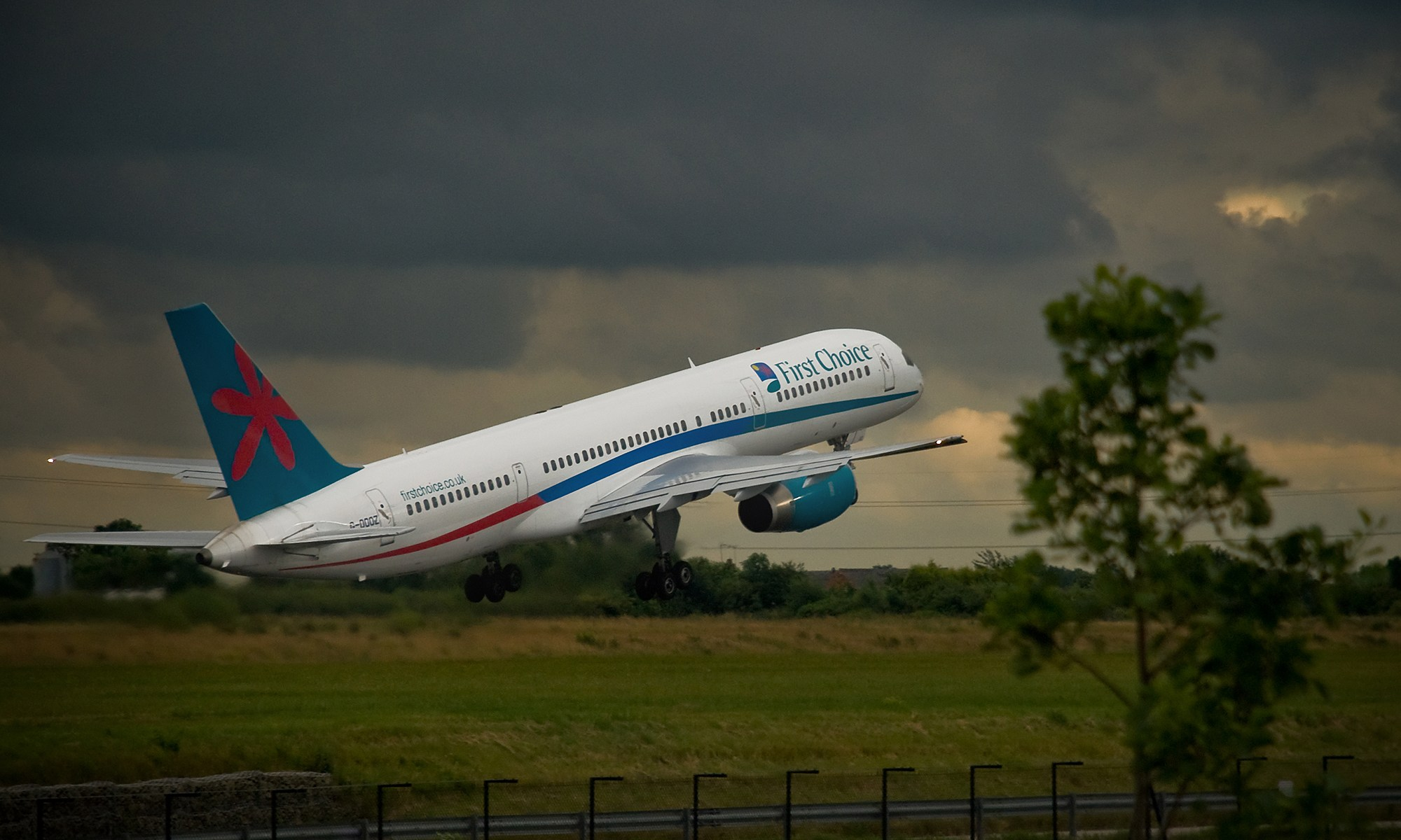 First Choice Boeing 757-200 Taking Off