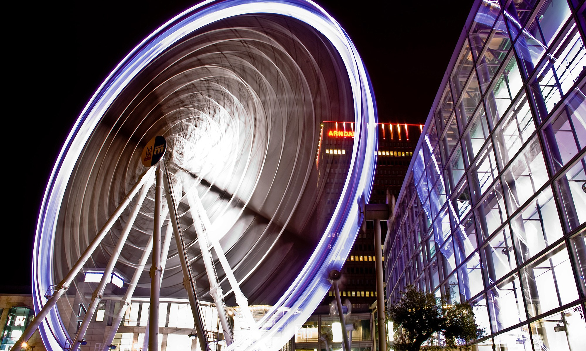 Manchester Wheel at Night long exposure