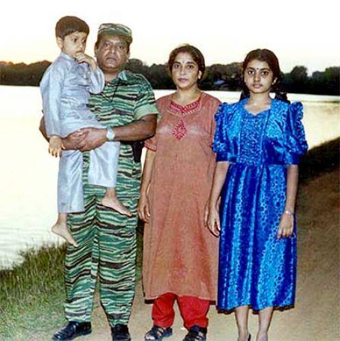 prabakaran family 27