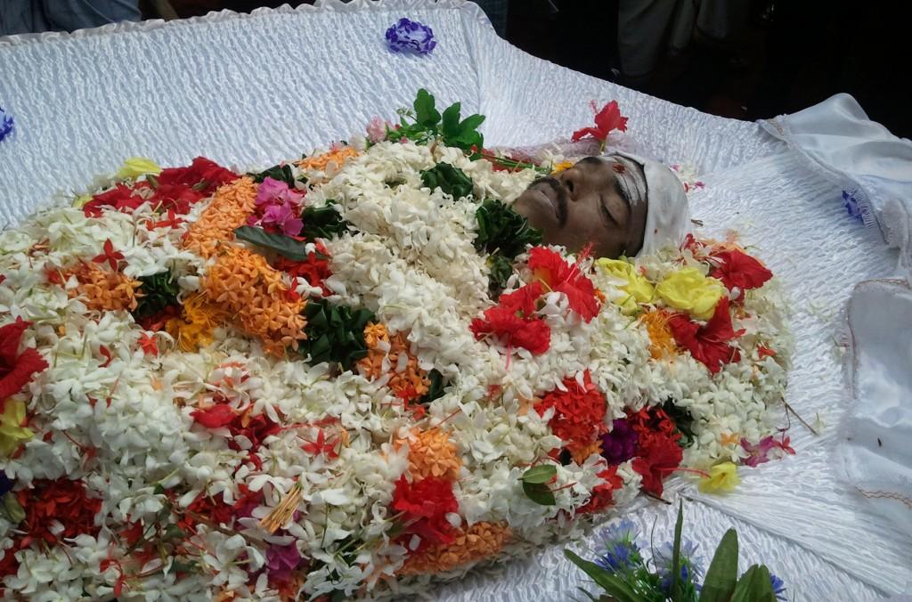 Nakuleswaran_funeral_16_11_2014_00