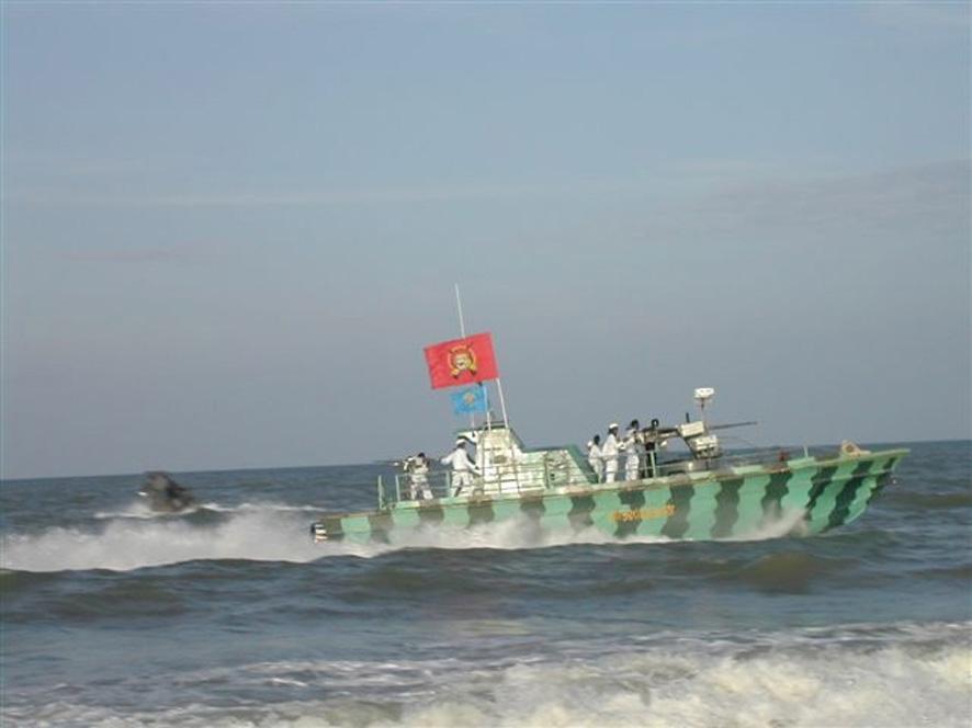sea tigers boat