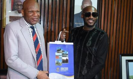 2baba Idibia honoured by the School of Music at Obafemi Awolowo University