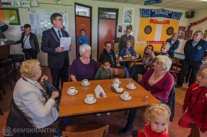 Drie koninklijke onderscheidingen in Loppersum