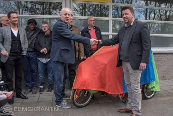 Kinder Dag Centrum Berjarijke neemt duo fiets in ontvangst