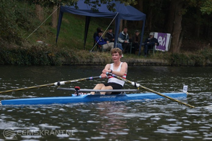 Jan Huib Veninga op de tweede plaats tijdens de Tromp Boatraces in Hilversum