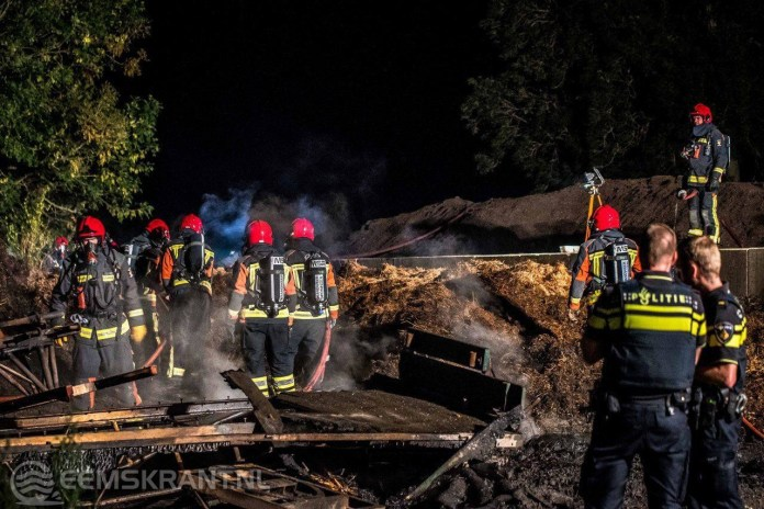 Vuurtje stoken zorgt voor flinke brand in kuilbult Zeerijp