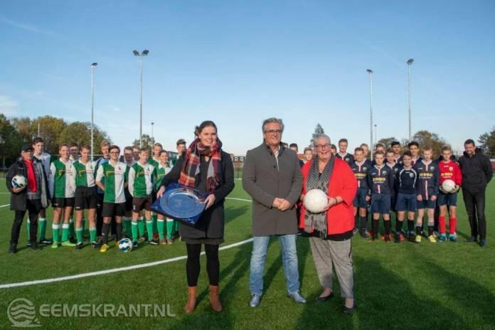 Feestelijke opening kunstgrasvelden Burgemeester Welleman sportpark in Appingedam