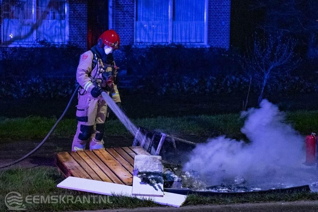 Brandweer blust twee kleine brandjes in Appingedam en Delfzijl -.