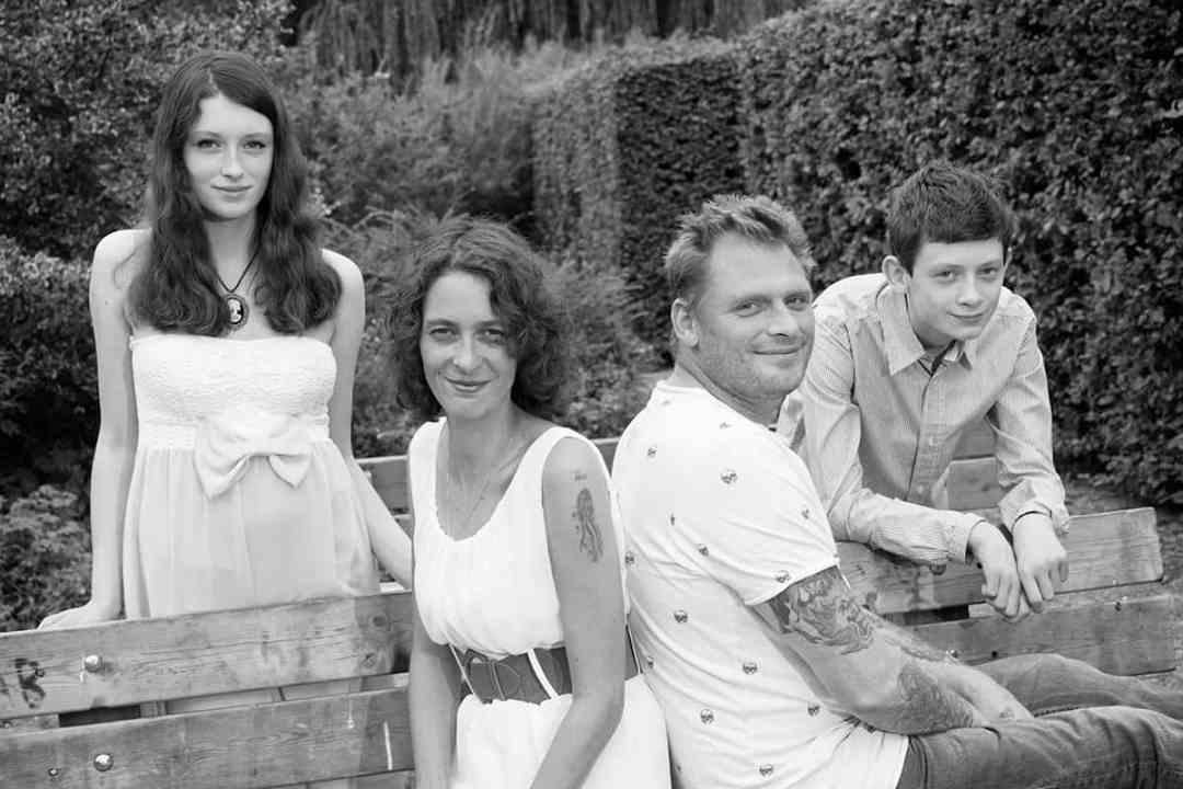 fotostudio gezinsportret fotografie gezin ouders & kinderen fotograaf Nieuw-Vennep Getsewoud Hoofddorp