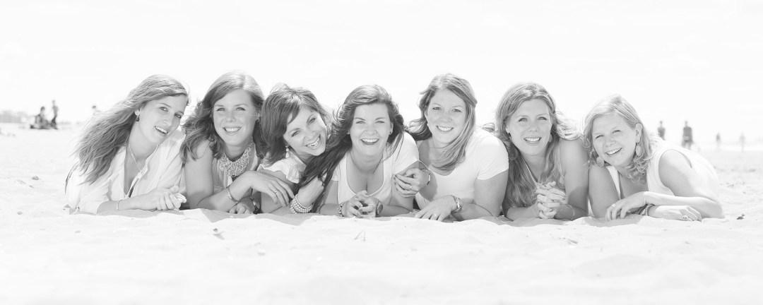 vriendinnen fotoshoot vrijgezellenparty strand Noordwijk Katwijk Zandvoort